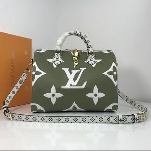 Louis Vuitton giant speedy 30 green